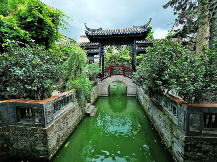 Poetic ancient gardens in GD