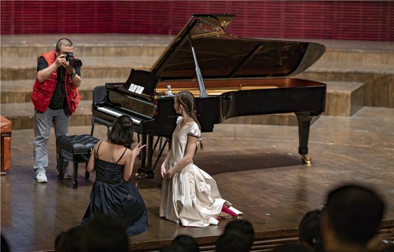 British music prodigy Alma Deutscher stages her concert