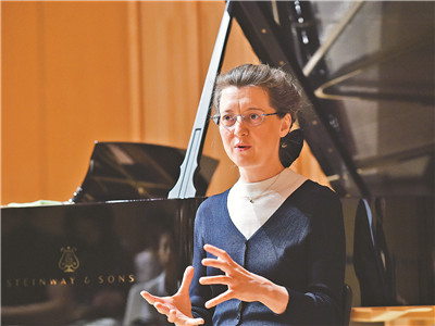 Irina Mejoueva: I try to converse with composers through their scores