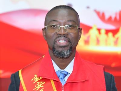 Volunteer serves as China-Ghana bridge